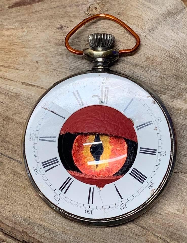 Keep an Eye on the Time 01